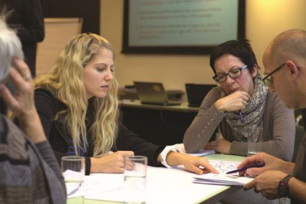Učenje jezika z zgodbami (ali Stanka se uči albansko)